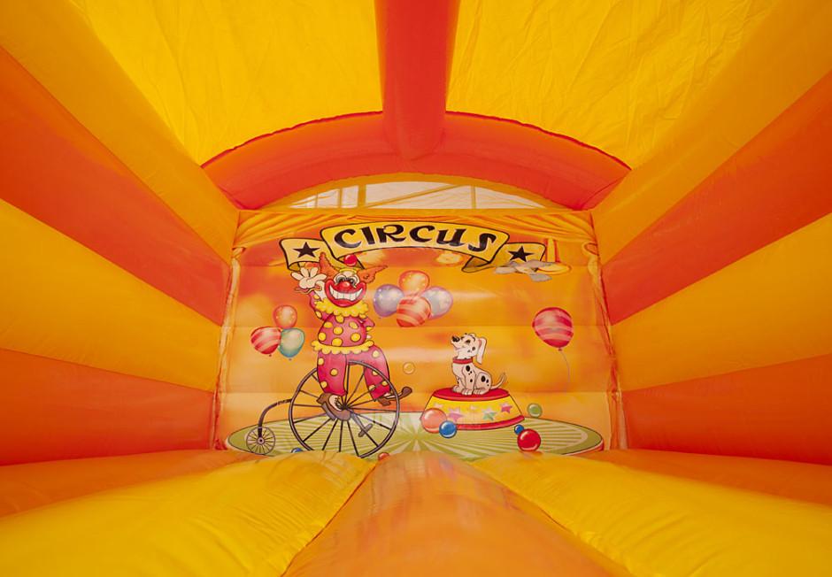 Mini springkussen circus overdekt 940x652